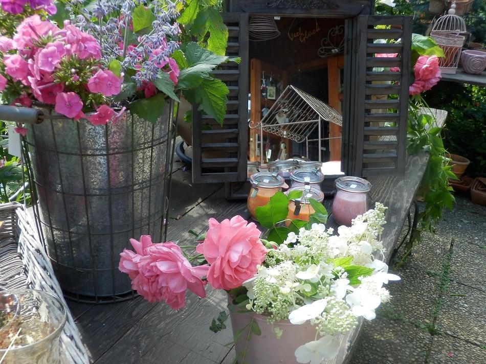 Vasen, Töpfe, Gestecke